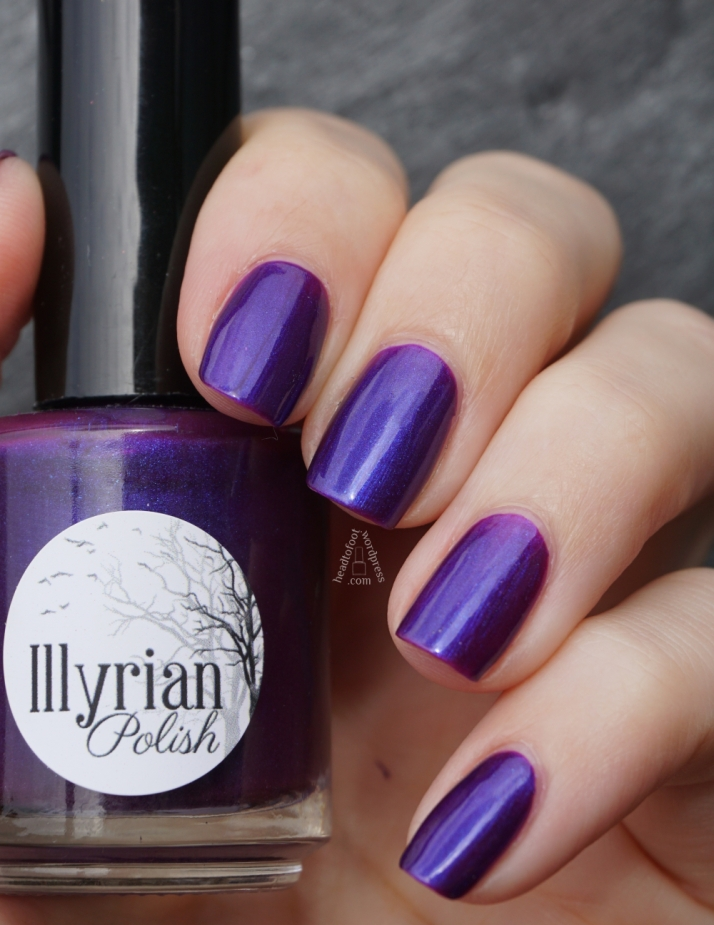 Illyrian Polish - Bioluminescent // headtofoot.wordpress.com